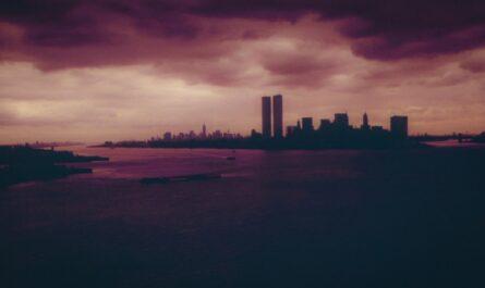 Útoky z 11. září zničily Světové obchodní centrum.