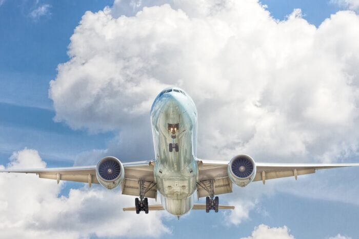 Boeing 757 kroužil nad Brnem, kde se zvýšil výskyt koronaviru