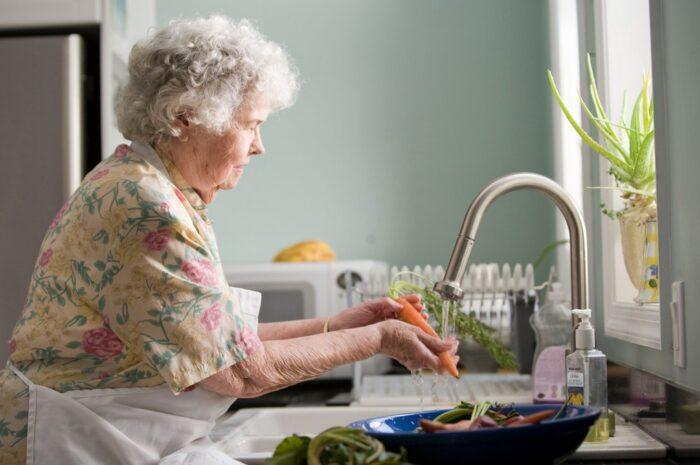 Vdovský důchod je pro partnery zemřelých